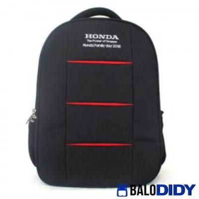 Chi nhanh Honda tặng balo laptop cho khách hàng